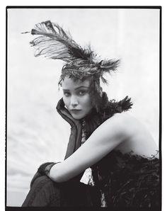 Jennifer Lawrence photographed by Tim Walker Il lato B del lato positivo del piano B.