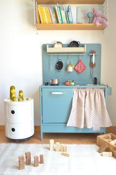 Wooden toy kitchen. GULLIVER model. #woodentoy #woodenkitchen #macarenabilbao