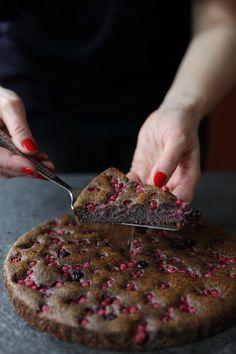 Rýchla maková bublanina bez múky vylepšená ríbezľami - Zdravé pečenie Beef, Desserts, Food, Basket, Diet, Meat, Tailgate Desserts, Deserts, Essen