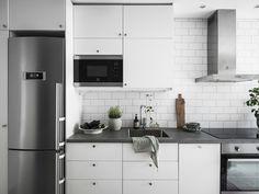pinterest ❭❭ karenbjarna Studio Apartment, Interior Design Kitchen, Kitchen Cabinets, Deck, Design Ideas, Exterior, Home Decor, Cooking, Studio Apt