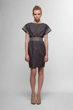 Linen and cotton dress with silver belt//super sexy!