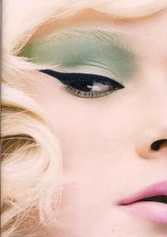 1960's green and black eyes #lifeinstyle #greenwithenvy