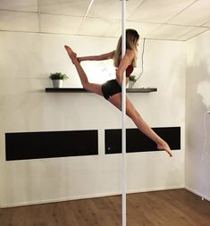 Belly Dancing Classes In Noida Pole Fitness Moves, Pole Dance Moves, Pole Dancing Fitness, Dance Poses, Barre Fitness, Fitness Exercises, Aerial Dance, Aerial Hoop, Aerial Arts