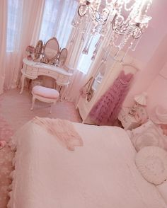 👸🏻's aes sge; sophie of woods beyond images from the web Cute Room Ideas, Cute Room Decor, Pastel Room, Pink Room, Girl Bedroom Designs, Room Ideas Bedroom, Girly Bedroom Decor, Red Bedroom Design, Kawaii Room