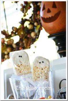 Rice Krispie Halloween Ghost-Classroom-Treats|theidearoom.net