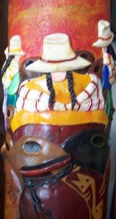 Tercera parte del jarrón - base de la mesa circular, hecho en cerámica en JuliartexPerú