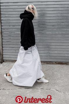 ファッション ファッション in 2020 French Fashion, Love Fashion, Fashion Outfits, Fashion Design, Modest Fashion, White Maxi Skirts, Maxi Skirt Black, Midi Skirts, Long Skirts