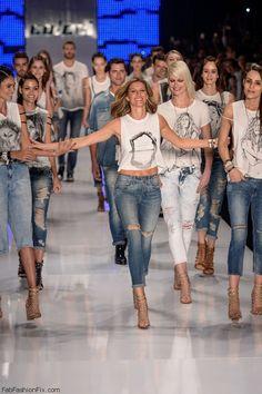 Gisele Bundchen at the finale of Colcci spring/summer 2016 - Sao Paulo Fashion Week. #giselebundchen
