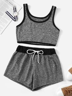 To find out about the Contrast Trim Crop Top With Drawstring Waist Shorts at SHEIN, part of our latest Two-piece Outfits ready to shop online today! Cute Lazy Outfits, Trendy Outfits, Summer Outfits, Pajama Outfits, Crop Top Outfits, Crop Top And Shorts, Long Shorts, Summer Shorts, Teen Fashion Outfits