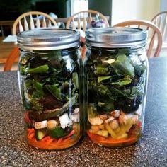 Great tips for mason jar salad prep!