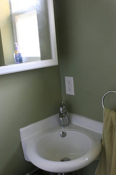I'd put a tiny corner sink in the shower to save space Girl Bathrooms, Tiny House Bathroom, Bathroom Renos, Small House Living, Small Space Living, Living Spaces, Corner Sink, Small Corner, Tiny Spaces