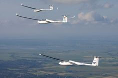 Four-ship glider formation | Four gliders in formation: the … | Flickr
