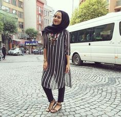 fashion, hijab, and muslim image Modest Wear, Modest Outfits, Cool Outfits, Muslim Fashion, Modest Fashion, Fashion Outfits, Dina Tokio Outfits, Hijab Fashion Inspiration, Fashion Trends