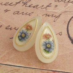 Vintage Peardrop Flower Earrings  Studs by vintagejewellerybox, £7.00