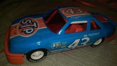 "RICHARD PETTY,toy car,VTG,good cond,16"",S.T.P.CAR,BLUE,plastic,must see"