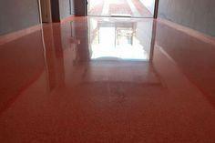 ¿Sabes cómo conseguir que el suelo de tu comunidad de vecinos luzca como el primer día ✨? ¡No te pierdas este artículo!  Desde El Pulidor, te vamos a contar por qué realizar el #PulidoDeSuelo de tu comunidad de propietarios. Pula, Hardwood Floors, Flooring, Texture, To Tell, First Day, Community, Lets Go, Wood Floor Tiles