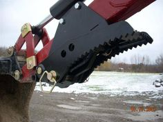Backhoe Thumb- Bolt-On Sub Compact Tractors, Small Tractors, Homemade Tractor, Tractor Accessories, Tractor Attachments, Mini Excavator, Ford Tractors, Tractor Supplies, Kubota
