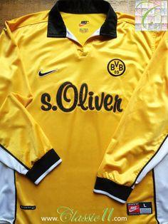 Relive Borussia Dortmund's 1998/1999 season with this vintage Nike home long sleeve football shirt.