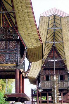 Casa Toraja (tìpica) - Jakarta, Is. de Java, Indonesia / © Ronaldo RADA