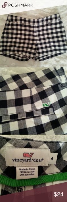 Vineyard Vines Plaid Gingham Shorts Cute blue & white plaid shorts in excellent condition. Vineyard Vines Shorts