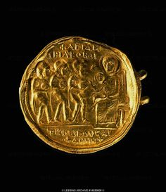 VISIGOTHS JEWELRY 7TH  Golden brooch from Turunuelo. 5,5 cm across.  Museo Arqueologico, Madrid, Spain