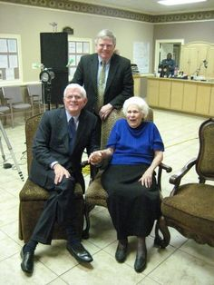 Phil Donahue & Greg Peterson with Lillian Gobitis Jehovah's Witnesses persecuted for not saluting the flag as children.