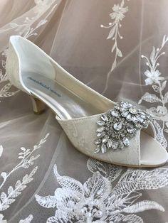 Hochzeits Elfenbein Spitze Schuhe für die Braut niedrigem