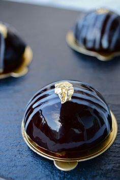 Crunchy Chocolate Dome Cakes