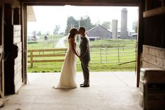 """don't want a """"barn"""" wedding, but it would be a cute photo if I have my wedding at the barn"""