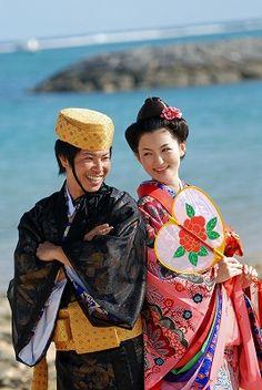 琉球の民族衣装「流装」での伝統なウェディングはいかが♪沖縄での結婚式一覧♡ウェディング・ブライダルの参考に♡
