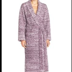 """Barefoot dreams cozychic robe size 1 nwt Brand new with tags size 1 NO TRADES nordstroms website says a size one is for a height of 5'-5'6"""" weight 100-140 pounds person Barefoot dreams Intimates & Sleepwear Robes"""