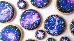 """crayolasaurus: """" foodiebliss: """" How To Decorate Galaxy Cookies With Royal Icing Source: Sweet Ambs Cookies Gif Set: Foodie Bliss Where food lovers unite. """" smallpotatoescolored OH MY GOD """" Galaxy Party, Galaxy Cake, Galaxy Theme, Cookie Icing, Royal Icing Cookies, Frosted Cookies, Cupcakes Galaxie, Birthday Cake Decorating, Cookie Decorating"""