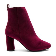 RAYE X NBD Afton Bootie (3.720 ARS) ❤ liked on Polyvore featuring shoes, boots, ankle booties, short boots, bootie boots, ankle boots, side zip ankle boots and velvet boots