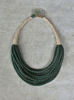 Collana girocollo leggera in seta riciclata da di aBimBeri su Etsy: