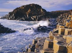 The Giant's Causeway, Northern Ireland (i only pinned this because i love Niall!)