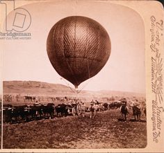 Balloon Corps Transport with Lord Roberts' Army Advancing on Johannesburg, South Africa, Second Boer War, 1901 / Private Collection / J. T. Vintage / Bridgeman Images