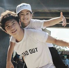 top coolest dance of Niana and Ranz from the year 2015 - 2017 Ranz Kyle, Siblings Goals, Cool Dance, I Luv U, Character Aesthetic, Youtubers, My Favorite Things, Hair Styles, Music
