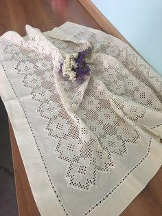 Gülay çakır Hardanger Embroidery, Hand Embroidery, Drawn Thread, Crochet Tablecloth, Bargello, Thing 1, Elsa, Karma, Farmhouse Rugs