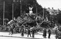 Captured German artillery at the end of World War I, Paris 1918.