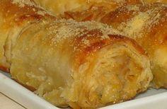 Çıtır çıtır mısır unlu böreğimin tarifini hemen vereyim :) :) Yiyenler açma börek sanıyor... MALZEME: yufka sıvıyağ mısır unu su 1 yumurta... No Gluten Diet, Pizza Pastry, Turkish Recipes, Ethnic Recipes, Recipe Mix, Iftar, Food Presentation, Soup And Salad, Food Blogs