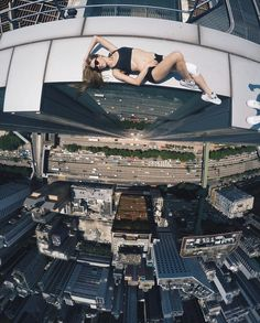 This Russian Girl Has Made a Career Out of Taking Death-Defying Selfies | 22…