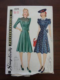 Vintage Art Deco Dress Pattern Simplicity 1940 #3519 Junior Misses sz 12-20 30-38 Bust di vintagerambler su Etsy https://www.etsy.com/it/listing/221372113/vintage-art-deco-dress-pattern