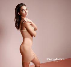 Prachtig shape jurkje van Prima Donna Twist. Sluit mooi aan onder de cup en kruipt door speciale gebruikte technieken niet op.