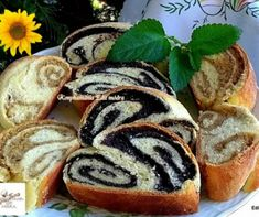 Zalai fodros diós-mákos kalács Recept képpel - Mindmegette.hu - Receptek Hungarian Recipes, Hungarian Food, Strudel, Hot Dog Buns, Nutella, Sushi, Muffin, Sweets, Bread