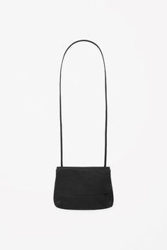 COS   Soft leather shoulder bag