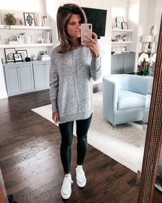 Ideas How To Wear White Converse Leather Leggings For 2019 Leggings Outfit Winter, Leather Leggings Outfit, Faux Leather Leggings, Athleisure Outfits, Sporty Outfits, Fall Outfits, Cosy Outfits, Fashion Outfits, How To Wear White Converse