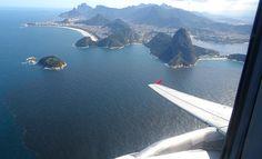 Rio-São Paulo; Foto resumo de um vôo por cartões postais http://www.maladerodinhaenecessaire.com/rio-sao-paulo-foto-resumo-de-um-voo-por-cartoes-postais/