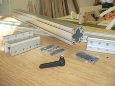 diy table saw fence plans Woodworking Table Saw, Woodworking Jigs, Woodworking Projects, Carpentry, Diy Table Saw Fence, Table Saw Accessories, Tool Table, Diy Shops, Homemade Tools