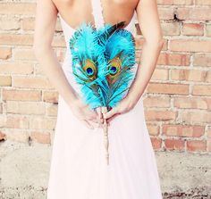 feather fans for weddings - blue peacock feather fan