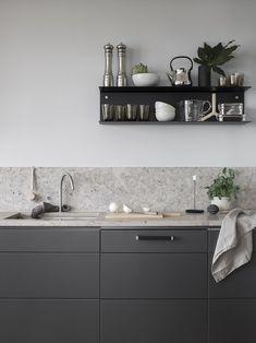 Grey Kitchen Designs, Rustic Kitchen Design, Kitchen Shelves, Kitchen Backsplash, Kitchen Sink, Granite Kitchen, Backsplash Cheap, Travertine Backsplash, Beadboard Backsplash